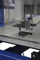 电动压机 / 冲孔 / 用于螺纹嵌件
