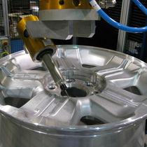 末道机器人加工单元 / 去毛刺 / 用于汽车工业