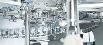 PET塑料瓶灌装机 / 自动 / 质量流量计式 / 饮料